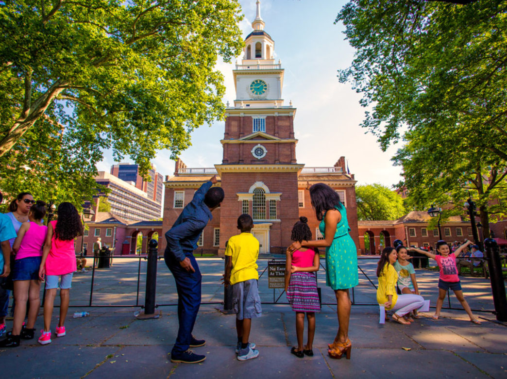Family looking at Independence Hall