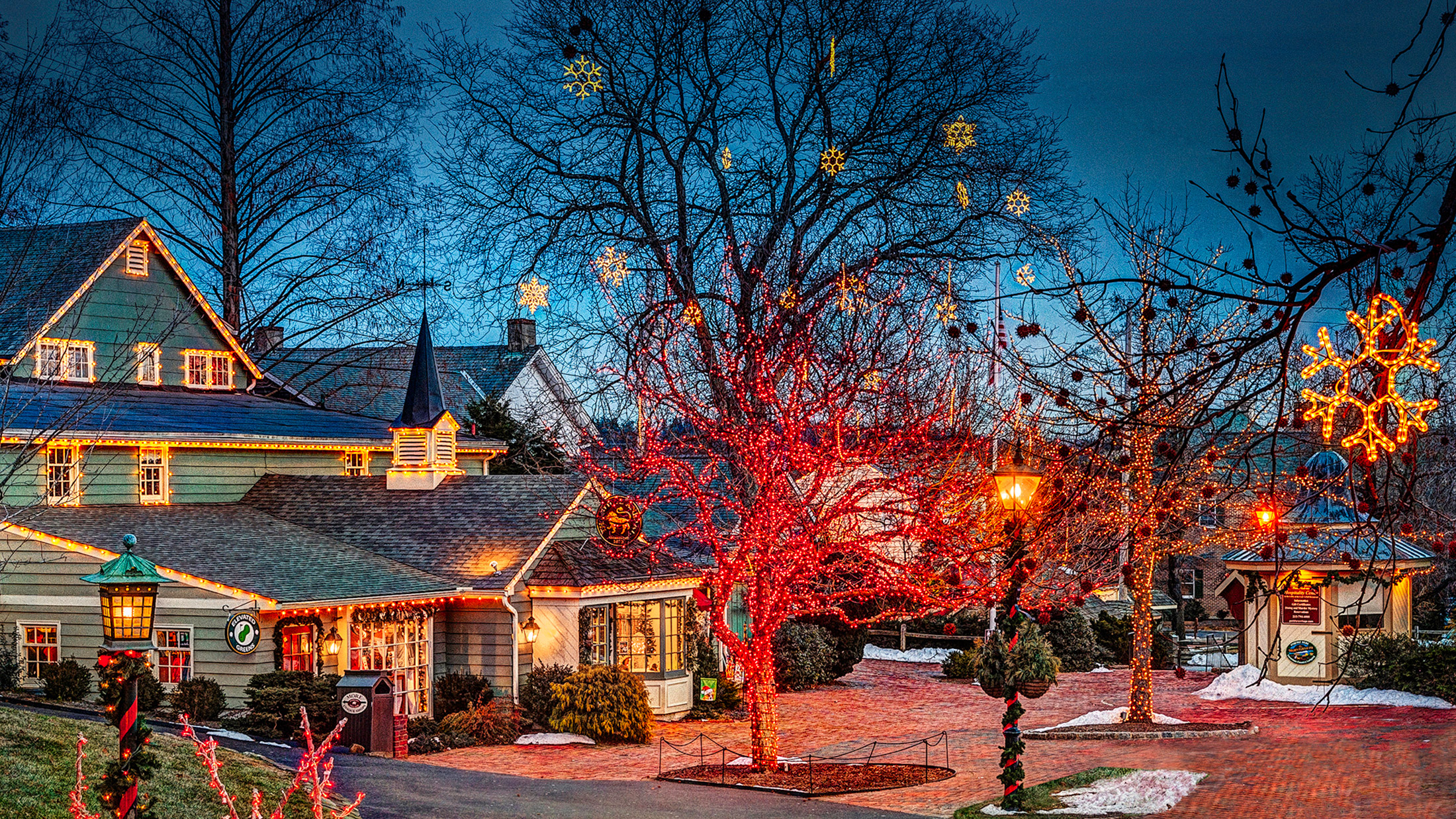 christmas in peddlers village visit philadelphia