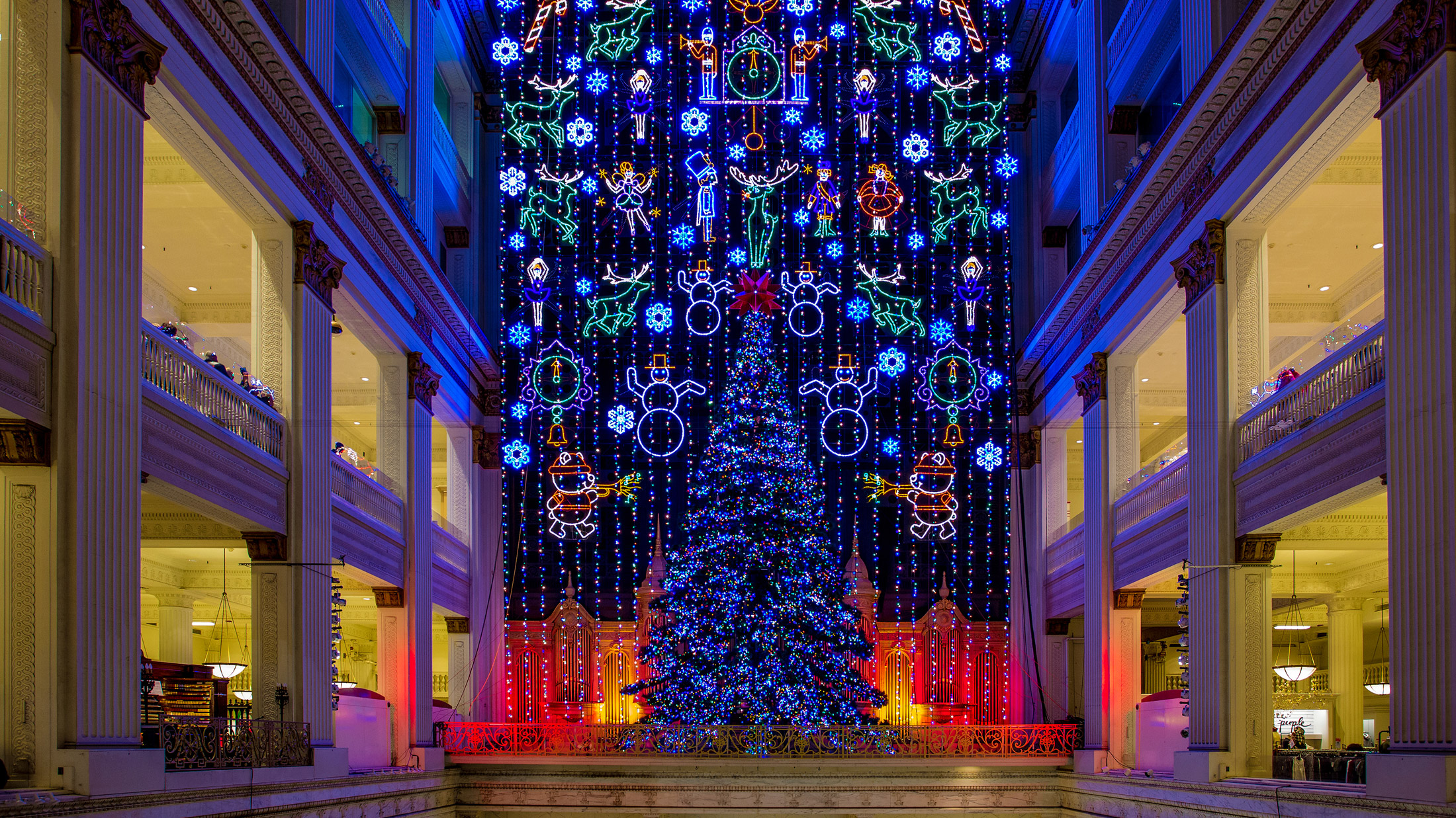 Macy\'s Christmas Light Show at Macy\'s Center City — Visit Philadelphia